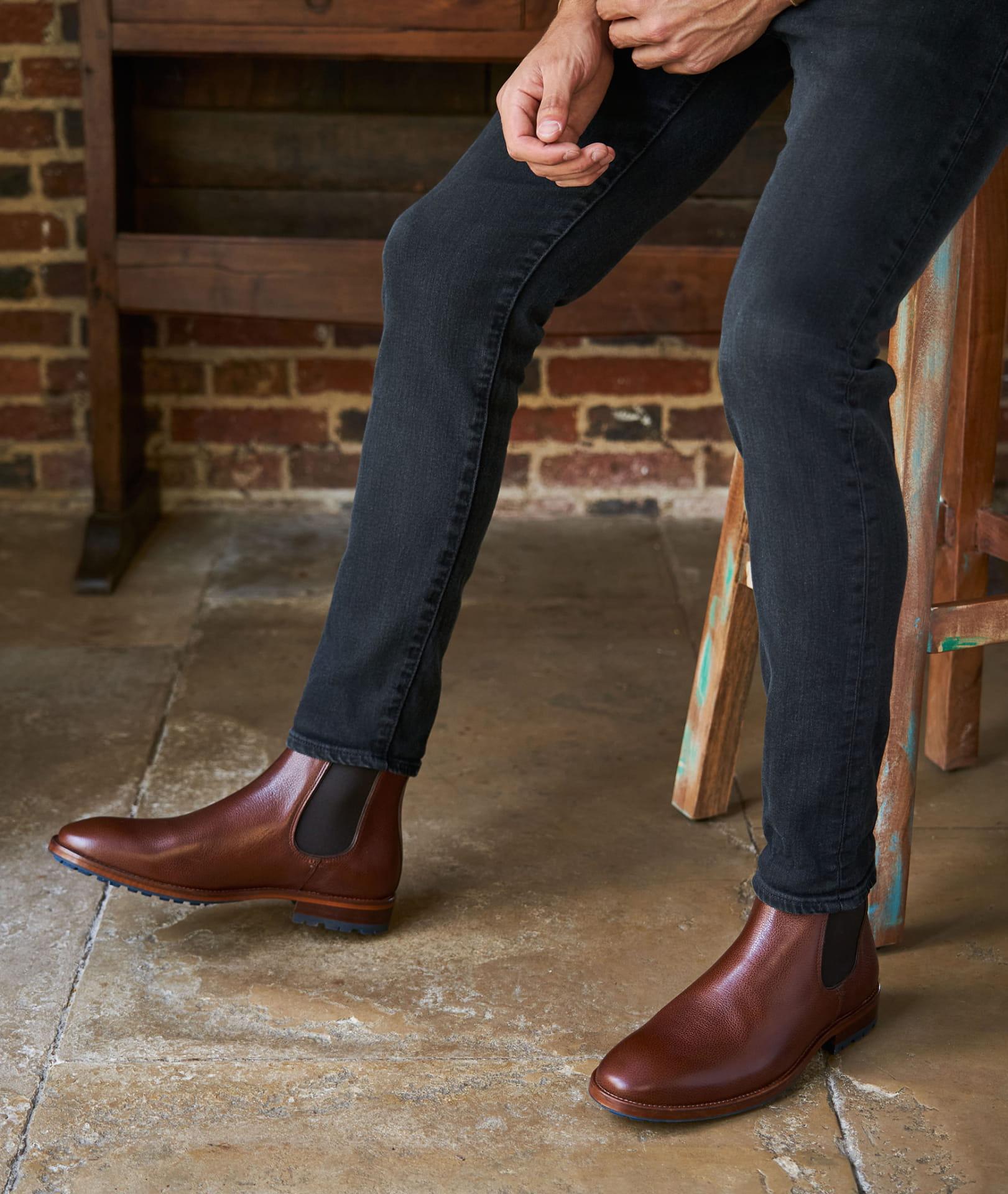Homme Faux Cuir Noir À Enfiler Chelsea Bottes Style Taille UK 6,7,9,10 /& 11