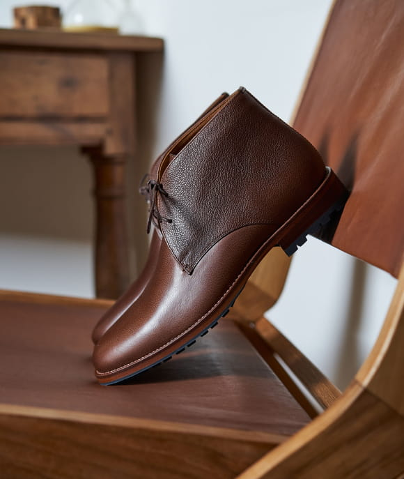 L'Homme Serein commando grained leather